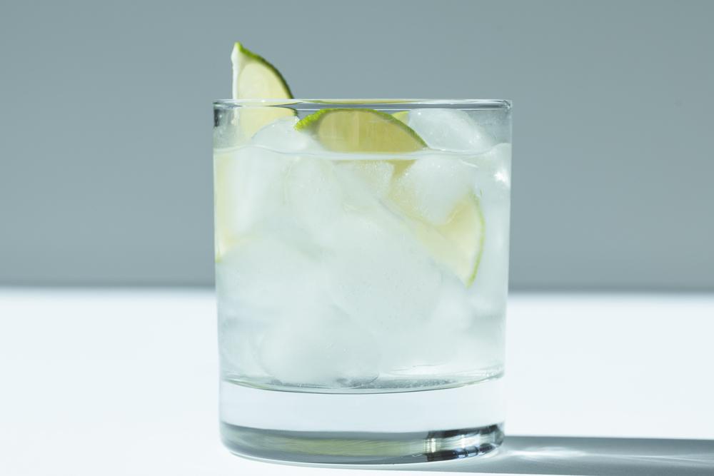 Få en sommerlig drink med Ginshape Summer Orchard Gin